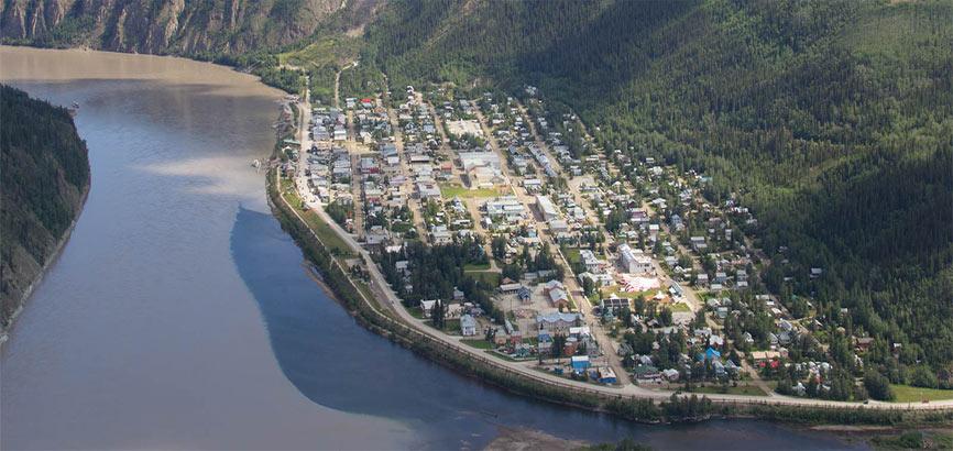 Luchtfoto van Dawson City