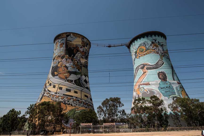 De torens in soweto van dichtbij