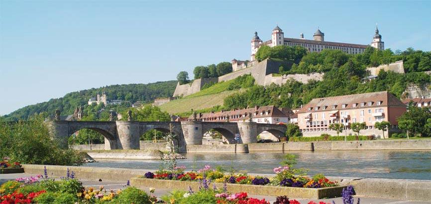 zijaanzicht van de stad Würzburg