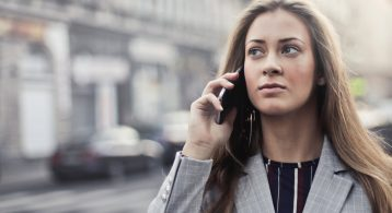 Hoe kun je goedkoop telefoneren in het buitenland?